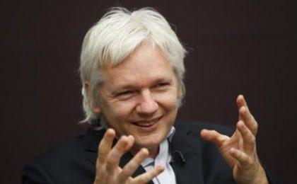 iPhone, Blackberry e Gmail spioni, parola di Julian Assange