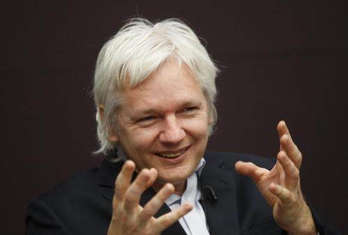 iPhone, Blackberry e Gmail spioni, parola di Julian Assange