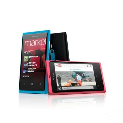 Regalo di Natale hitech? Il Nokia Lumia 800, scheda tecnica del Windows Phone