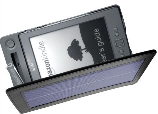 Kindle si ricarica col Sole grazie alla custodia-pannello