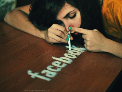 Facebook vera droga, più forte di alcol e fumo