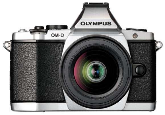 Olympus E-M5: stile anni '70 fuori, potentissima dentro
