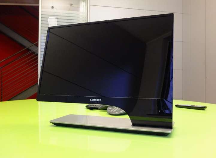 Samsung T27A950, un monitor/TV 3D dal design killer [TEST]