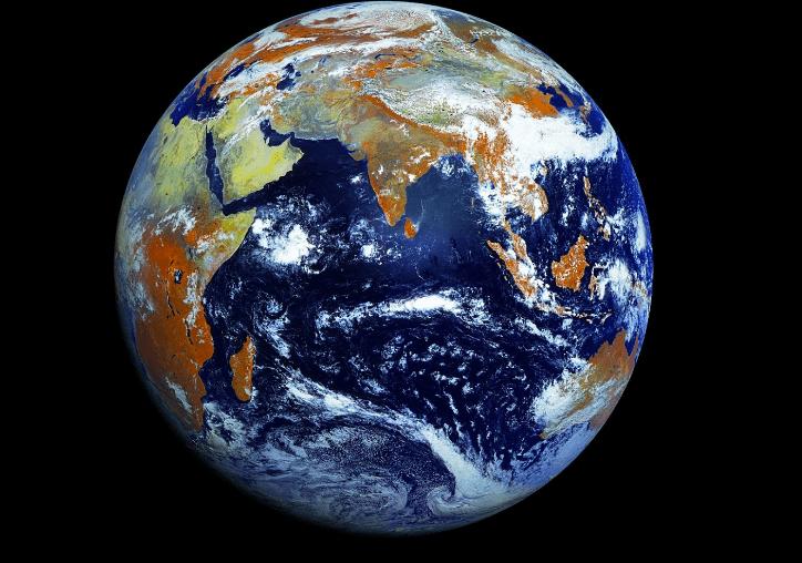 La foto della Terra tutta intera, da 121 megapixel [FOTO e VIDEO]