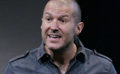 Jonathan Ive, il designer di Apple diventa Sir