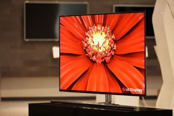 LG 55EM9600, TV OLED da 55 pollici spesso solo 4mm [FOTO]