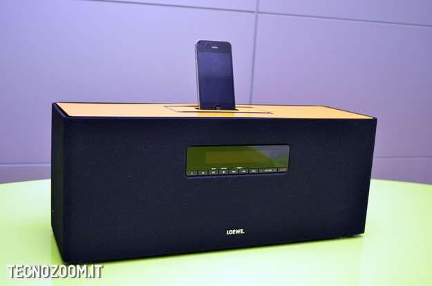 Loewe SoundBox: stiloso sistema hi-fi e dock iPhone [FOTOTEST]