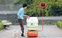 Wi-Fi gratis al parco in cambio della raccolta di escrementi di cane [VIDEO]