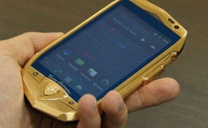 Smartphone e tablet Lamborghini: lussuosi ma scarsi [FOTO]
