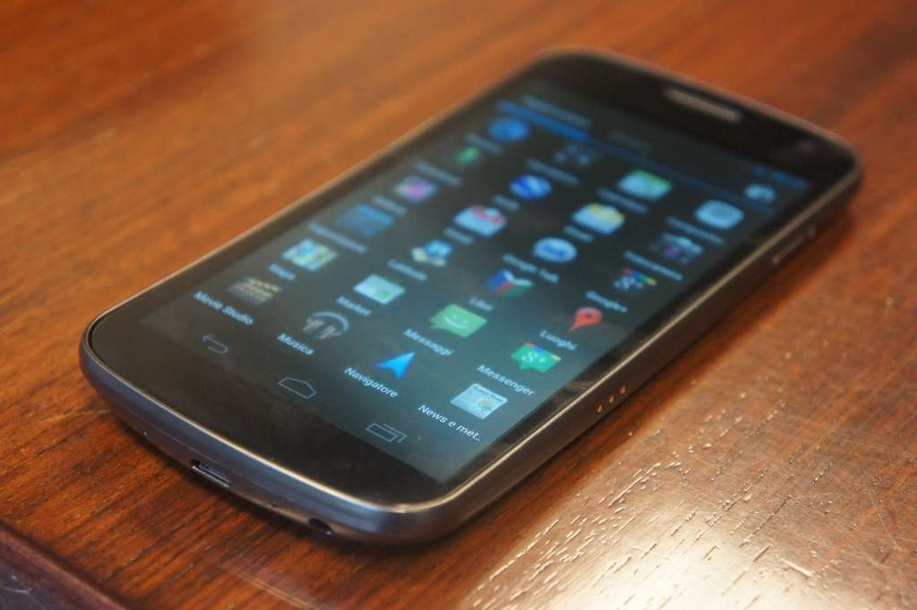 Galaxy Nexus con Android Jelly Bean contro il blocco Apple