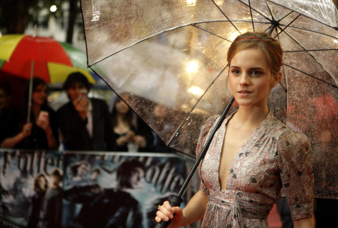 """Emma Watson è il """"pericolo"""" numero uno online"""