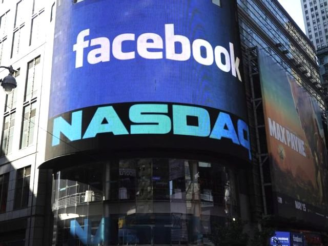 Facebook in borsa crolla, aumenta il pericolo bolla