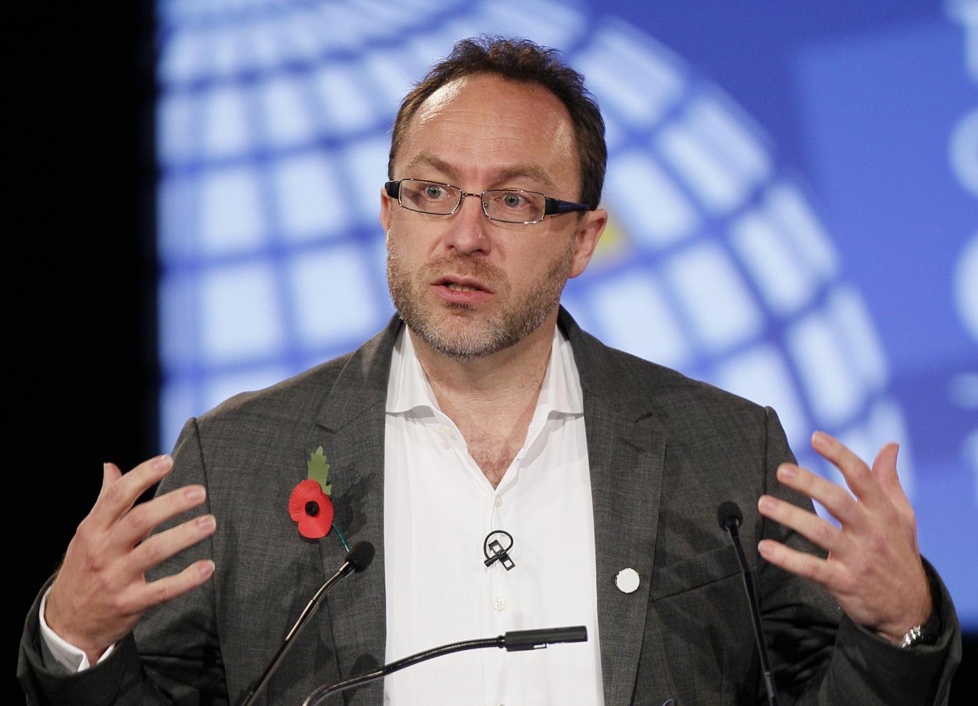 """Wikipedia, editor a pagamento """"sporcano"""" l'enciclopedia"""