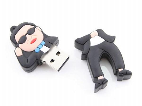 Gangnam Style mania: la chiavetta USB con PSY [FOTO]