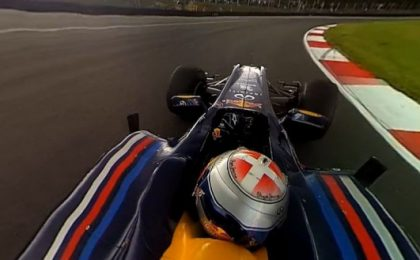 Un giro sulla Red Bull F1 con il video navigabile a 360°