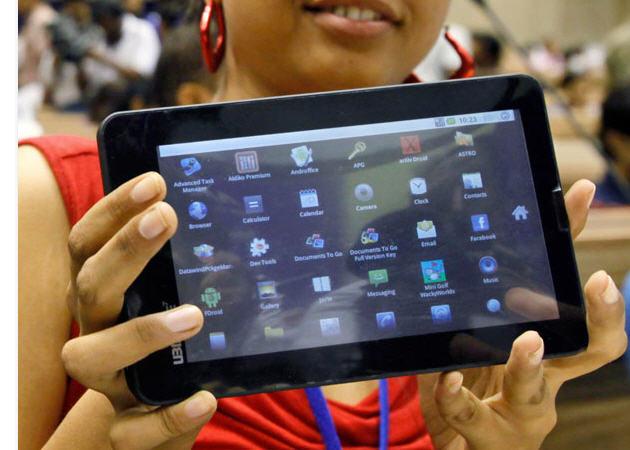 Tablet Android da 15€: Aakash 2 per gli studenti indiani [FOTO]