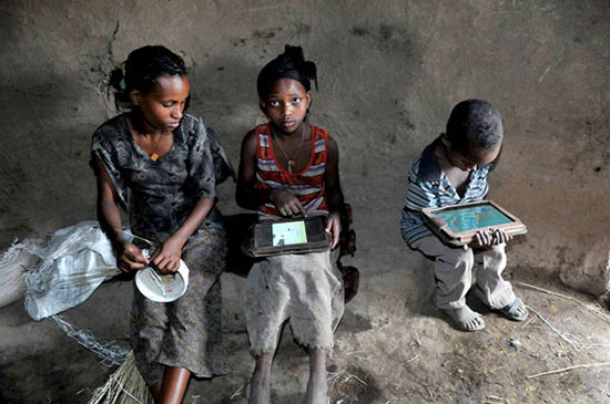 Tablet Android hackati da bambini etiopi in 5 mesi, senza istruzioni [FOTO]