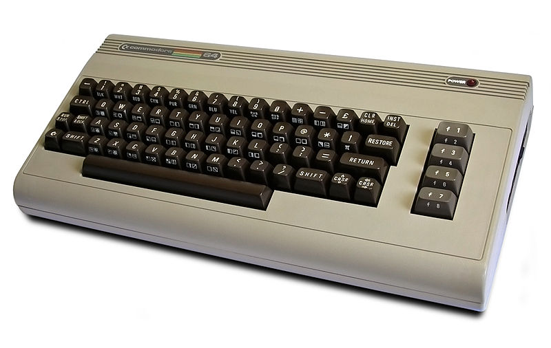 Commodore 64 compie 30 anni, storia di un mito [FOTO]