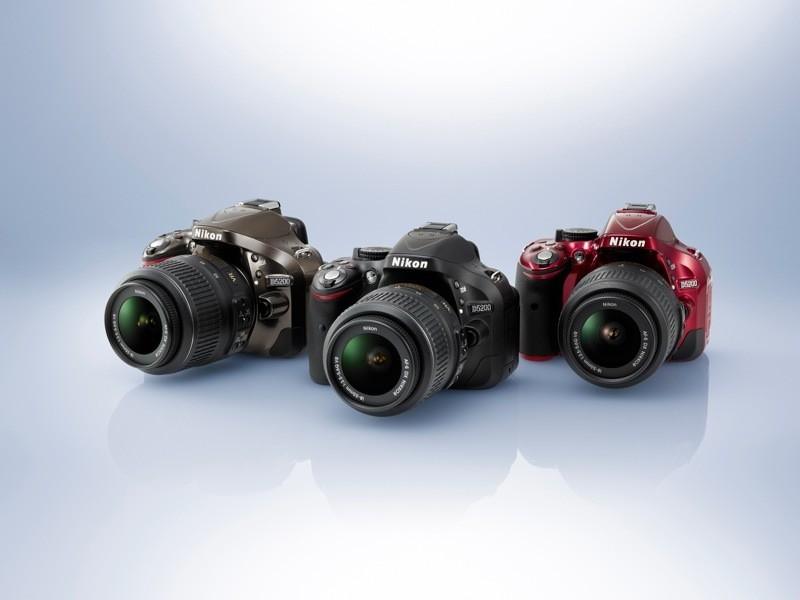Nikon D5200 prezzo popolare per la Reflex di Natale 2012