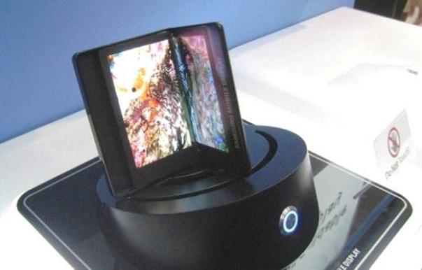 Samsung: display flessibili in plastica in uscita nel 2013 [FOTO]