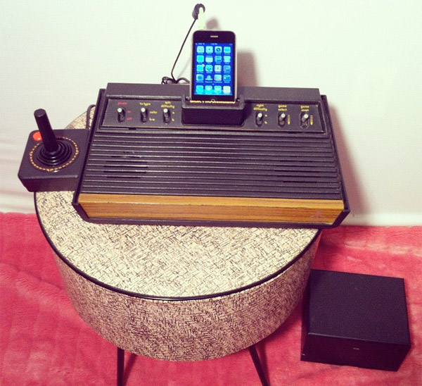 atari_2600_iphone_dock_musica