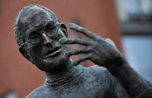steve jobs statua ungheria