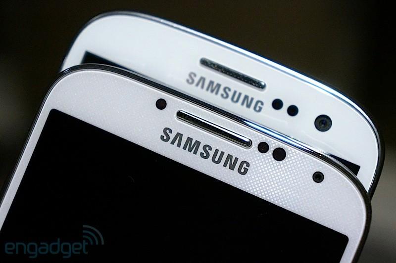 Parte superiore di Samsung Galaxy S4 e Samsung Galaxy S3