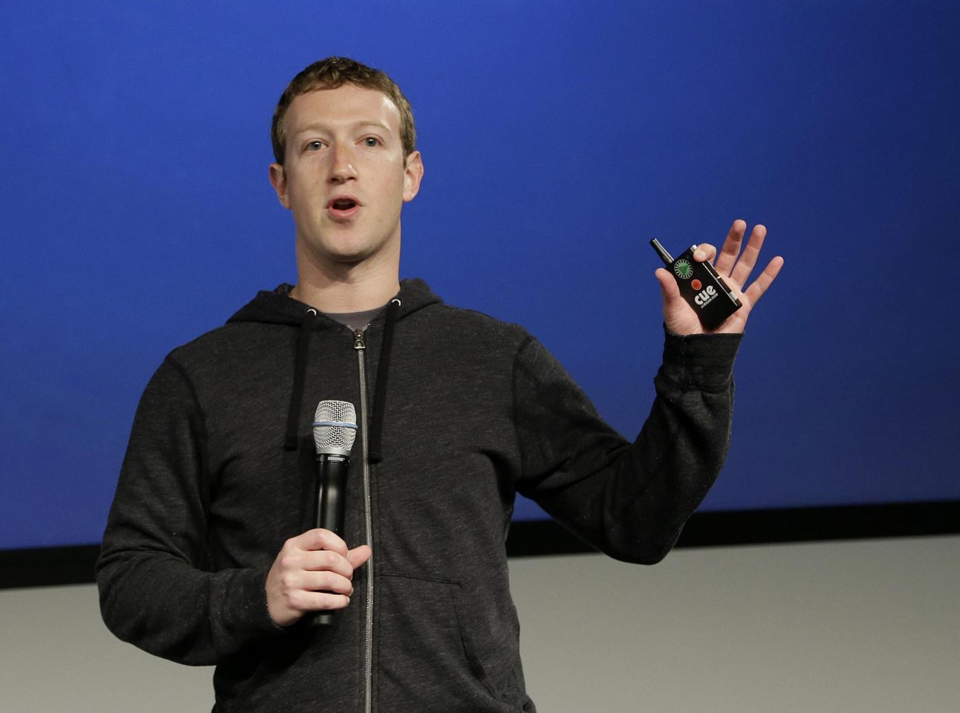 Mark Zuckerberg: stipendio di 1 dollaro da Facebook [VIDEO]