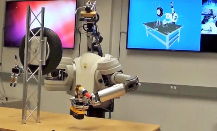 Robot cambio ruota