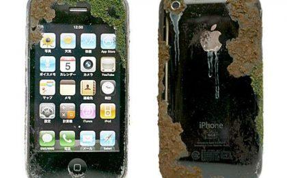 Come apparirebbe il tuo iPhone fra 100 anni [FOTO]