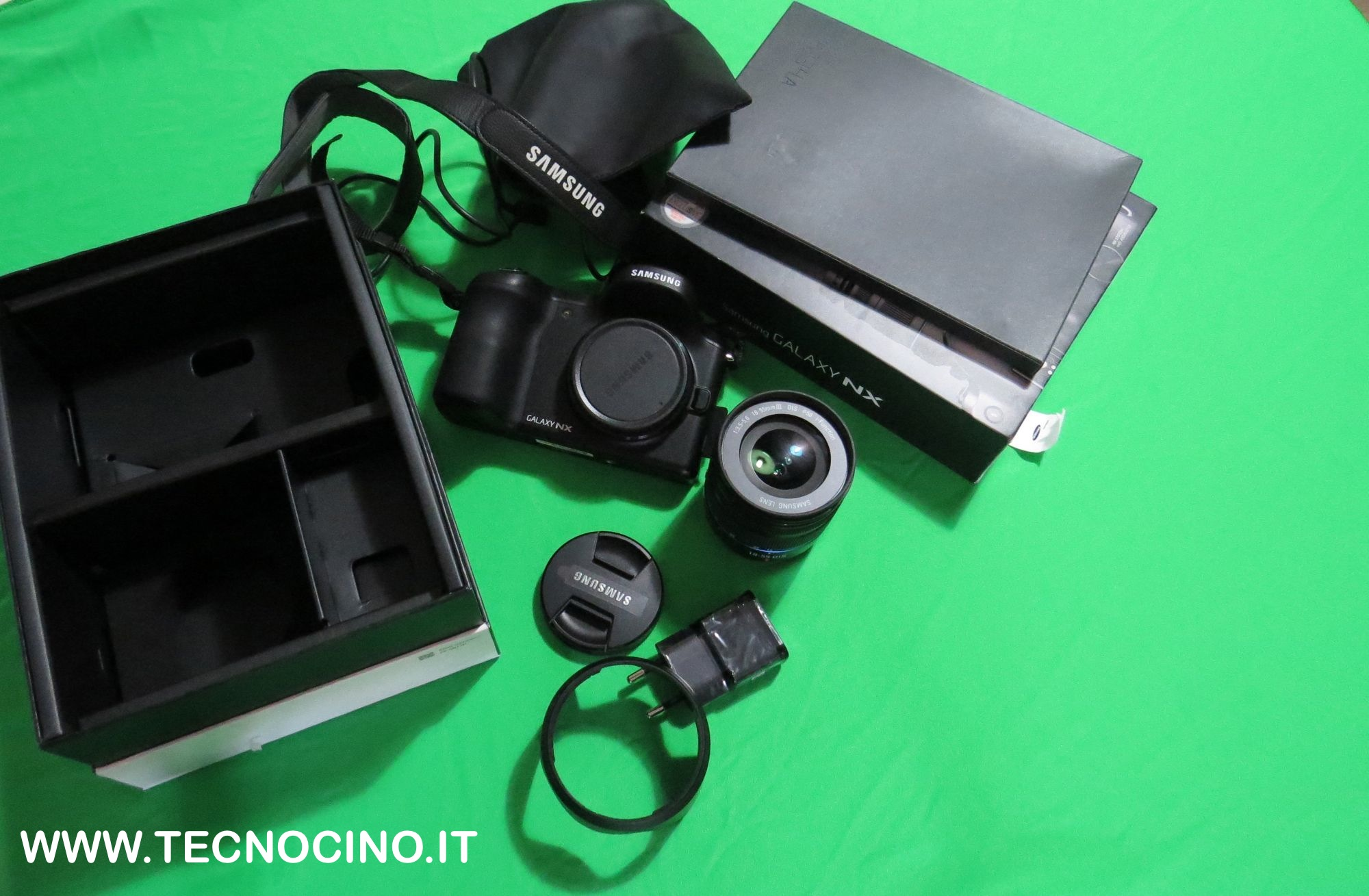 Samsung Galaxy Camera NX confezione