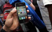Ladro di iPhone ricopia a mano e invia rubrica di 1000 contatti