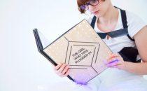 Lettore ebook indossabile per entrare nella storia