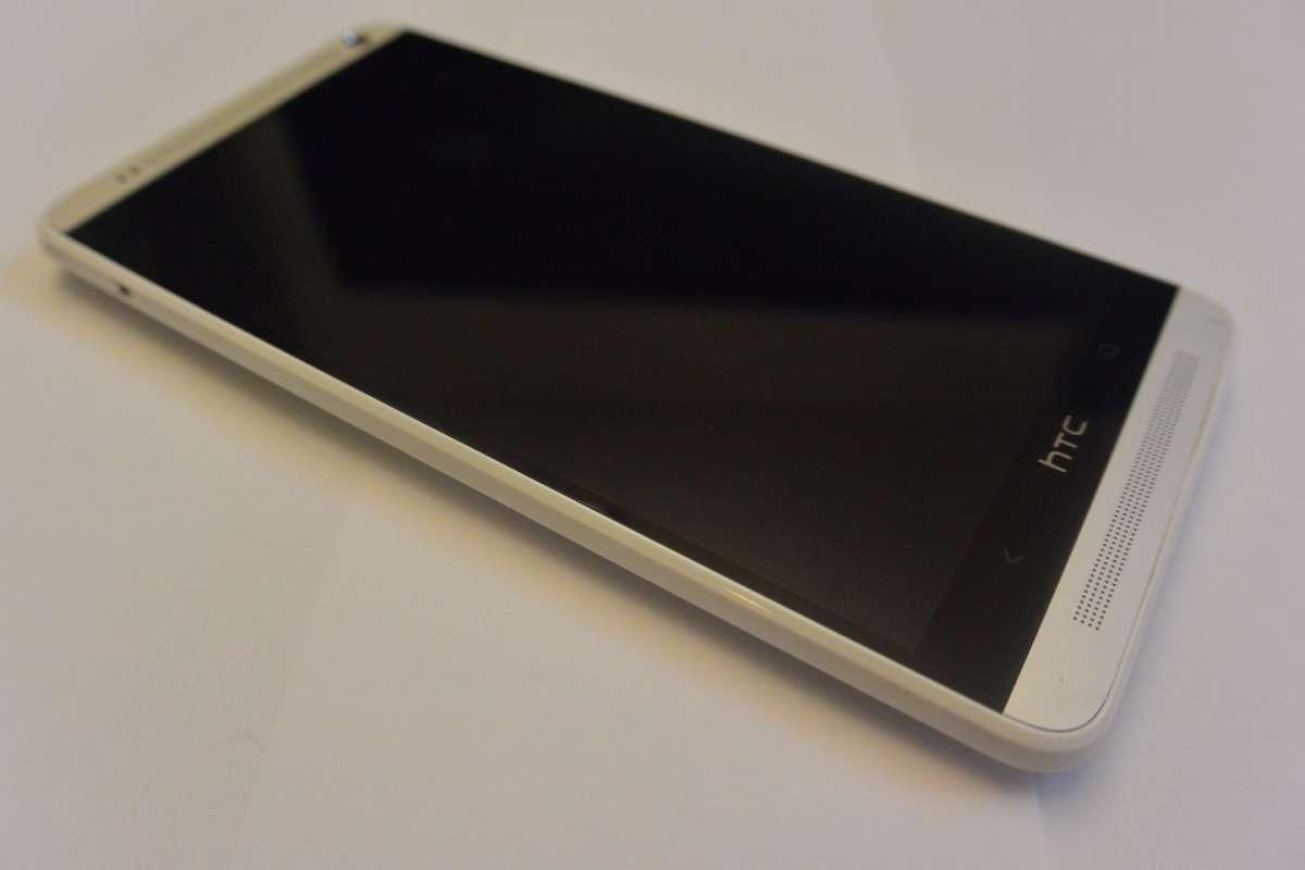 HTC One Max: recensione, prezzo e scheda [FOTO]
