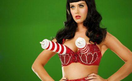 Katy Perry su Twitter a 50 milioni di fan? Niente foto hot e qualche trucco