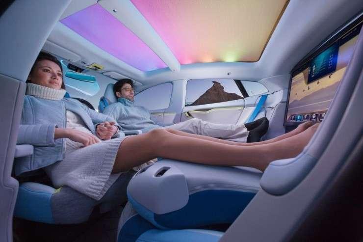 Salone di Ginevra 2014: auto autonoma con salotto hitech [FOTO]