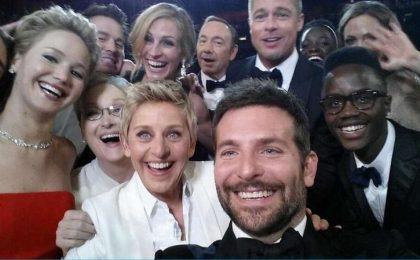 Oscar 2014: il selfie più virale di sempre, di Ellen DeGeneres