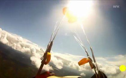 Paracadutista sfiorato da meteorite: il VIDEO pazzesco