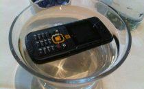 Top 10 morti più assurde di cellulari e smartphone [FOTO]