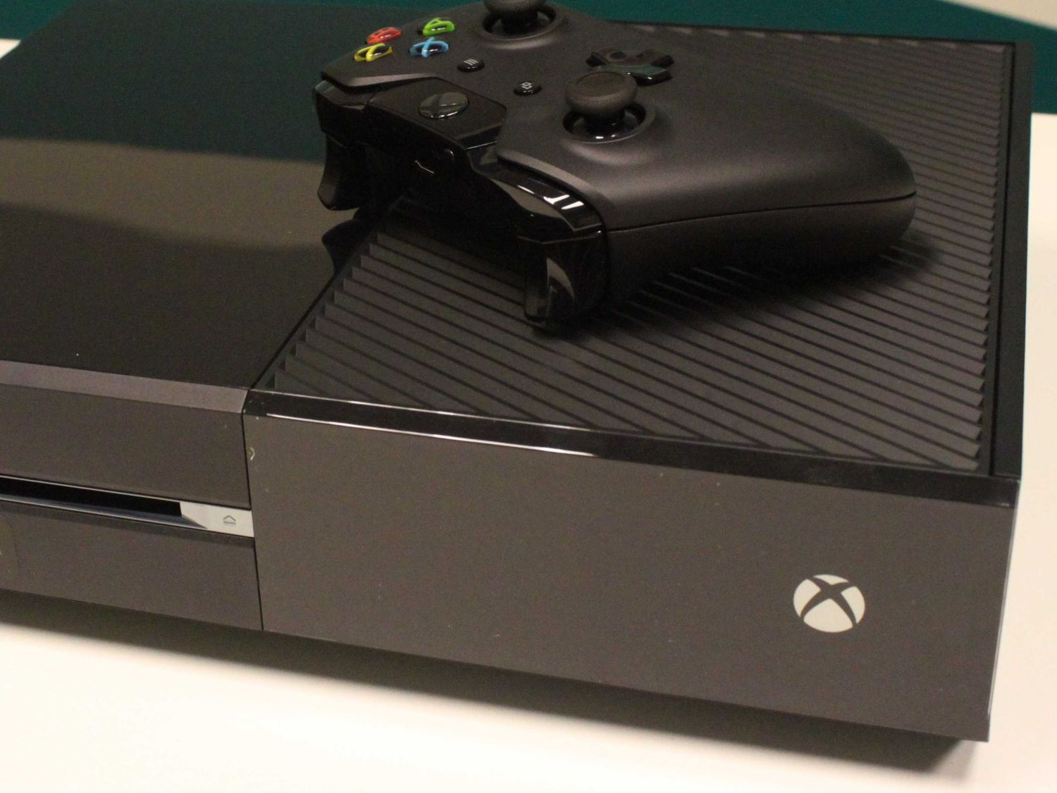 photos that show the xbox one is a massive console