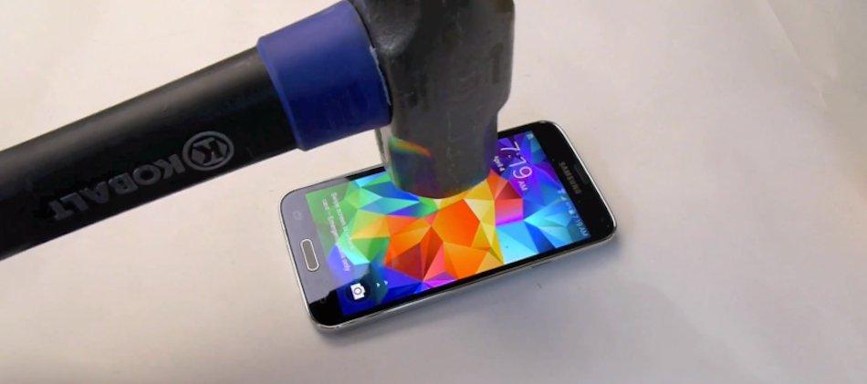 Galaxy S5 prova resistenza