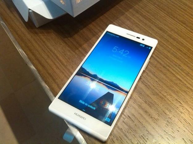 Huawei Ascend P7, foto con home