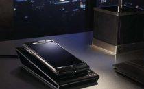 Vertu Signature Touch: lAndroid di titanio e ceramica che costa 8000 euro