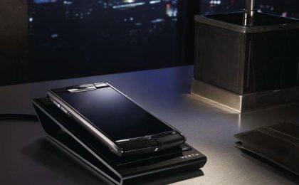 Vertu Signature Touch: l'Android di titanio e ceramica che costa 8000 euro