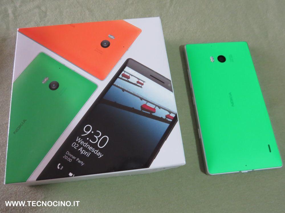Nokia Lumia 930 con confezione