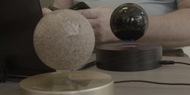 Om/One: il primo altoparlante Bluetooth che galleggia in aria