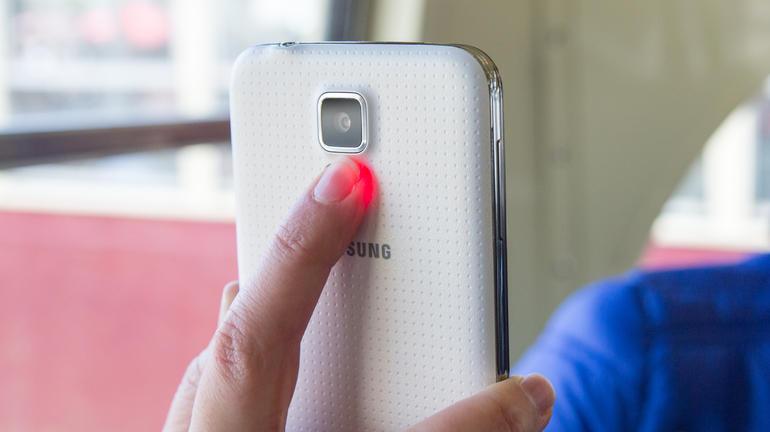 Il rilevatore del battito cardiaco del Galaxy S5