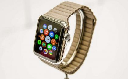 Apple Watch vs Samsung Gear S: scheda tecnica e prezzo [FOTO]