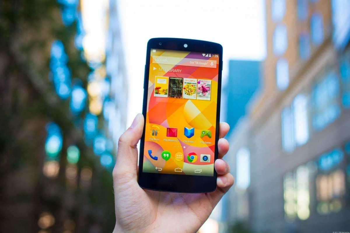 iPhone 6 vs Nexus 5: confronto su scheda tecnica e prezzi [FOTO]