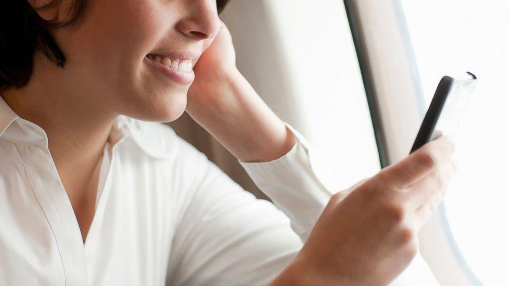 Smartphone e tablet in aereo: l'EASA approva